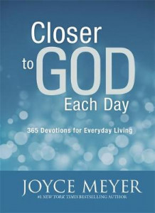 Closer to God Each Day Devotional av Joyce Meyer (Innbundet)