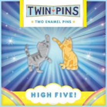 High Five Twin Pins av Chronicle Books (Innbundet)