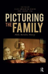 Omslag - Picturing the Family