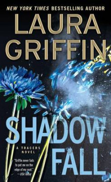 Shadow Fall av Laura Griffin (Heftet)