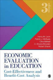 Economic Evaluation in Education av Clive R. Belfield, A. Brooks Bowden, Henry M. Levin, Patrick J. McEwan og Robert D. Shand (Heftet)