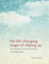 The Life-Changing Magic of Tidying Up av Marie Kondo (Lydbok-CD)