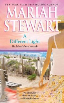 A Different Light av Mariah Stewart (Heftet)
