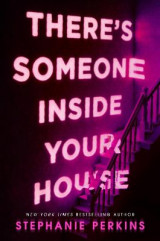 Omslag - There's Someone Inside Your House