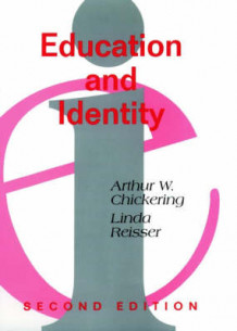 Education and Identity av Arthur W. Chickering og Linda Reisser (Innbundet)