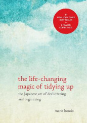 The Life-Changing Magic of Tidying Up av Marie Kondo (Innbundet)
