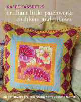 Omslag - Kaffe Fassett's Brilliant Little Patchwork Cushions and Pillows