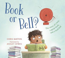 Book or Bell? av Chris Barton (Innbundet)