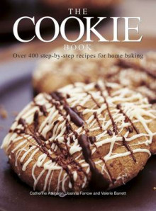 The Cookie Book av Catherine Atkinson, Valerie Barrett og Joanna Farrow (Heftet)