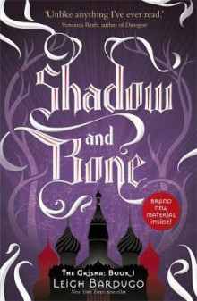 Shadow and bone av Leigh Bardugo (Heftet)