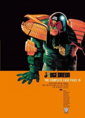Judge Dredd: The Complete Case Files 16 av Garth Ennis og John Wagner (Heftet)