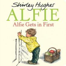 Alfie Gets in First av Shirley Hughes (Pappbok)