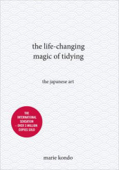 The life-changing magic of tidying av Marie Kondo (Innbundet)