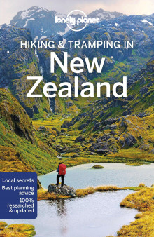 Hiking & tramping in New Zealand av Andrew Bain (Heftet)