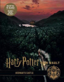Harry Potter: The Film Vault - Volume 6: Hogwarts Castle av Jody Revenson (Innbundet)