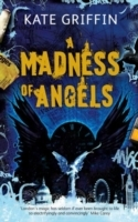 A Madness of Angels av Kate Griffin (Heftet)
