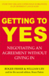 Getting to Yes av Roger Fisher, Bruce Patton og William Ury (Heftet)