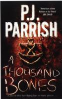 A Thousand Bones av P. J. Parrish (Heftet)