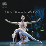 Omslag - The Royal Ballet Yearbook 2010/11