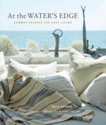 At the water's edge av Sally Hayden (Innbundet)