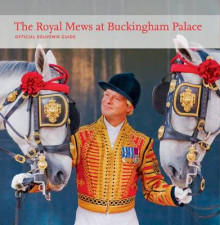 The Royal Mews at Buckingham Palace av Hugo Vickers (Heftet)