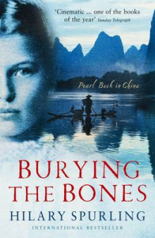 Burying The Bones av Hilary Spurling (Heftet)