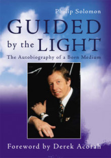 Guided by the Light av Philip Solomon og Derek Acorah (Heftet)
