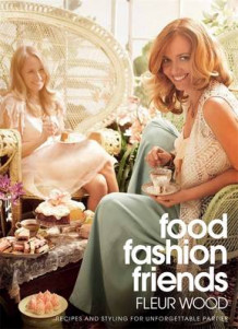 Food, Fashion, Friends av Fleur Wood (Heftet)